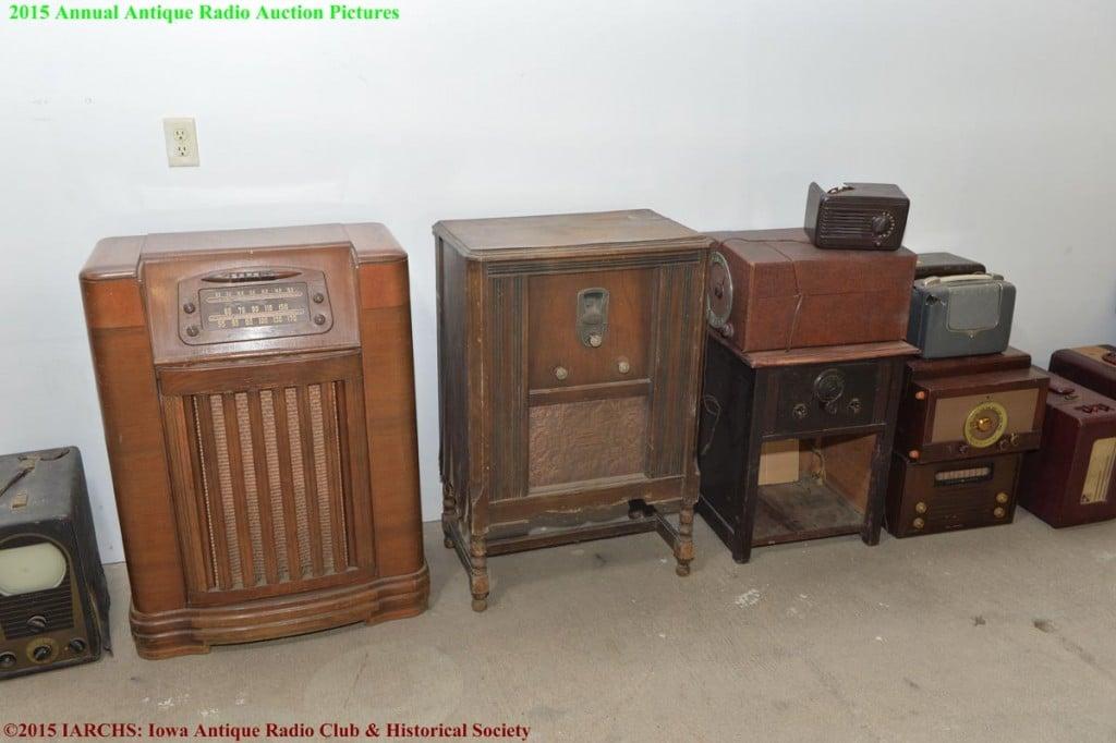 2015 IARCHS Antique Radio Auction Picture