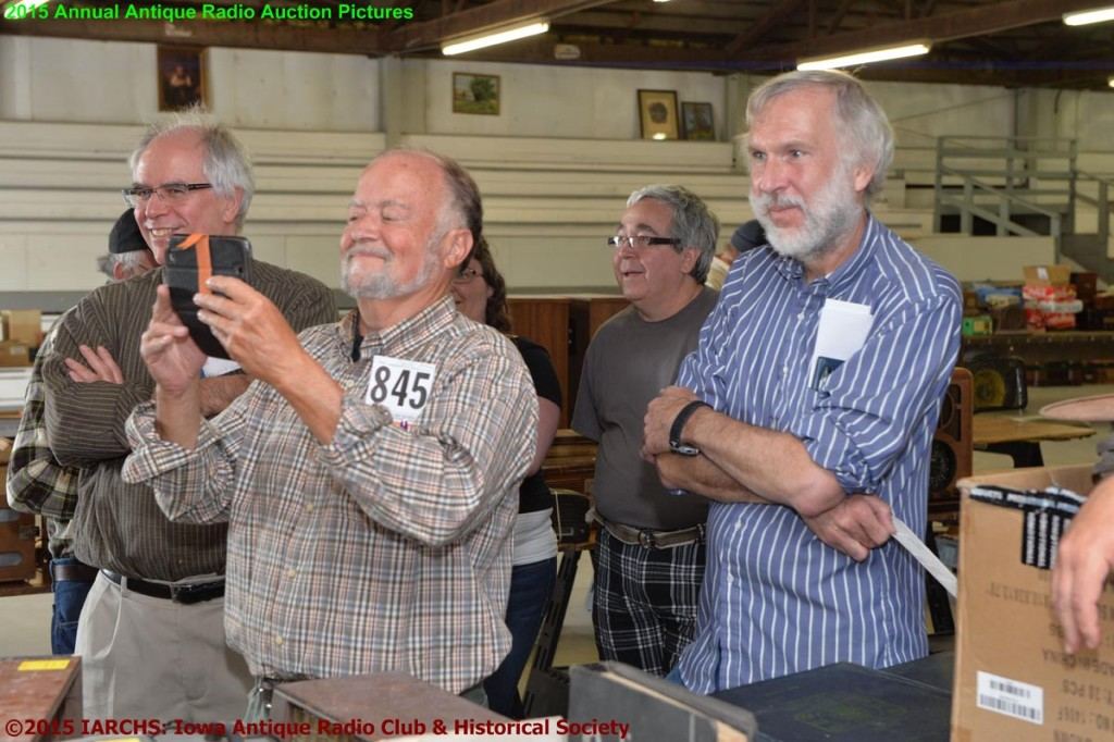 2015 IARCHS Antique Radio Auction Picture