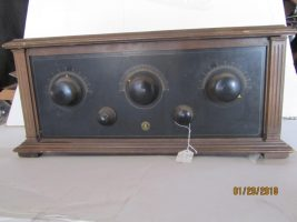 King-Hinners model 61 battery radio