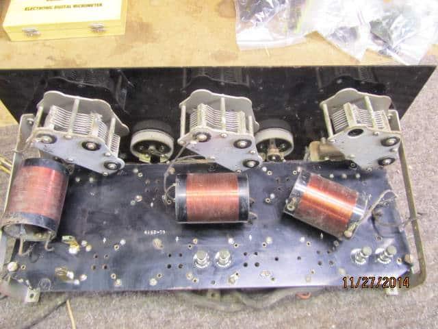 King-Hinners model 61 battery radio inside view