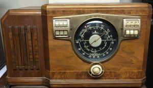 Zenith Model 10S531 Table Radio