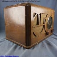 Coronado-650-battery-table-radio-left