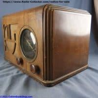 Coronado-650-battery-table-radio-right