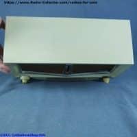 arvin-956-T-Twin-speaker-table-radio-top