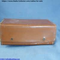 philco-sportster-E-675-AC-DC-portable-Tube-Radio-bottom